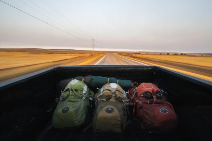 come preparare lo zaino per un escursione in montagna o un viaggio o cammino di santiago