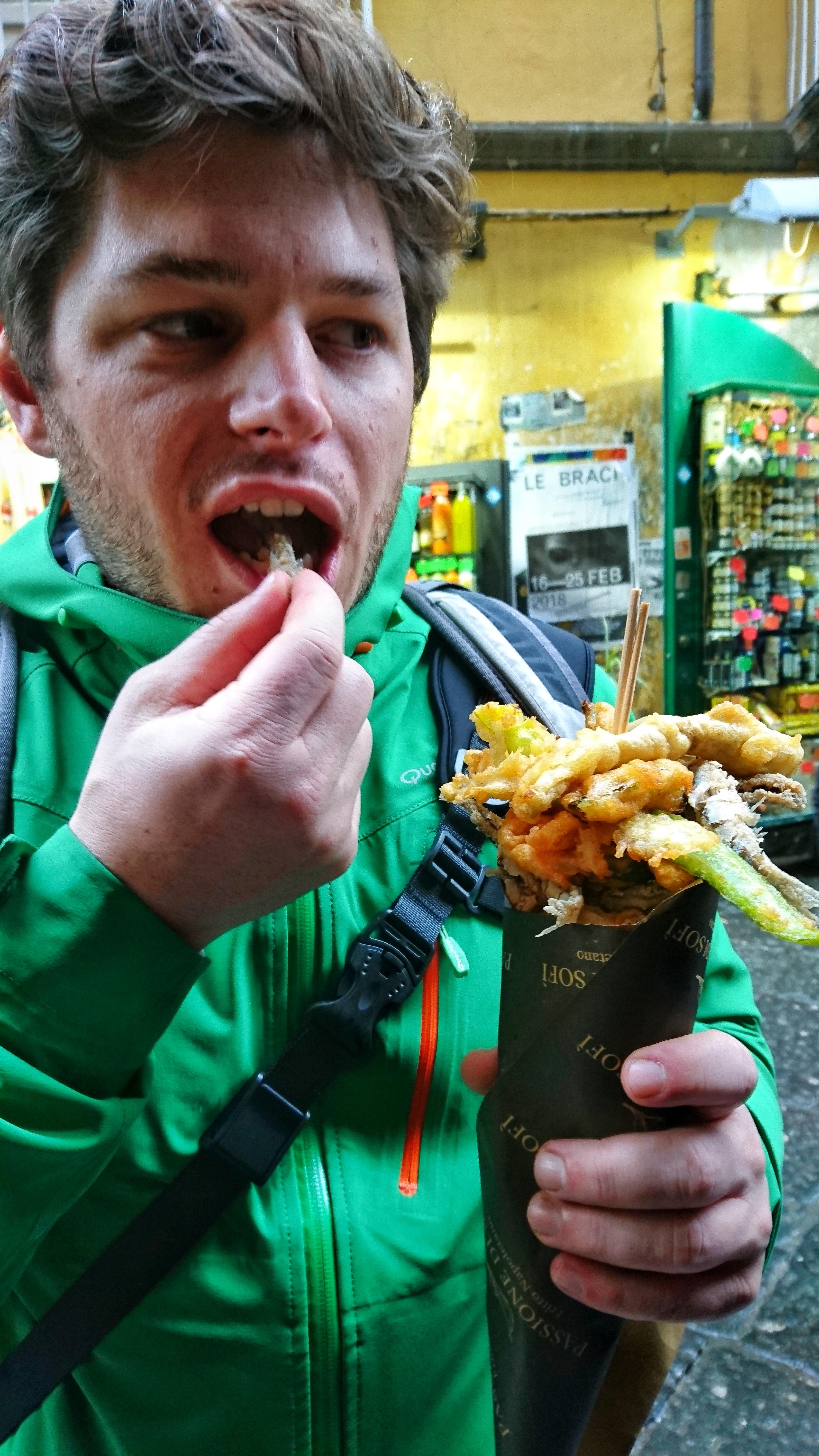 napoli cosa vedere in due giorni cosa mangiare dove andare cosa fare cuoppo (1)