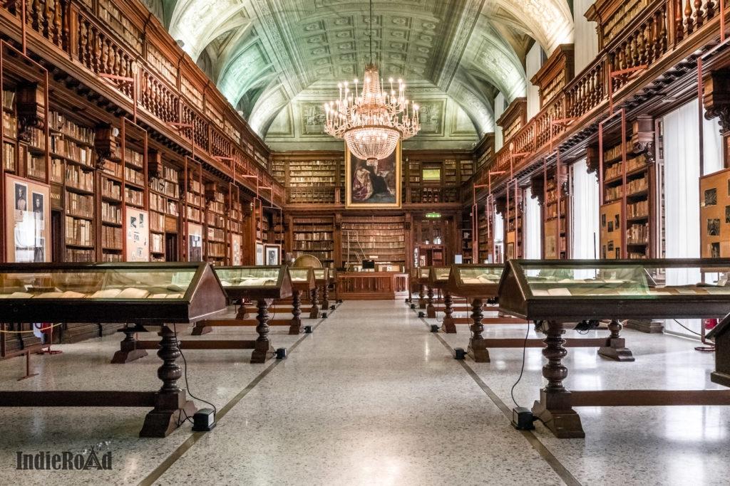 Biblioteca Nazionale Braidense milano brera luoghi segreti