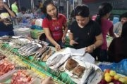 dove mangiare a oslob public market (3)